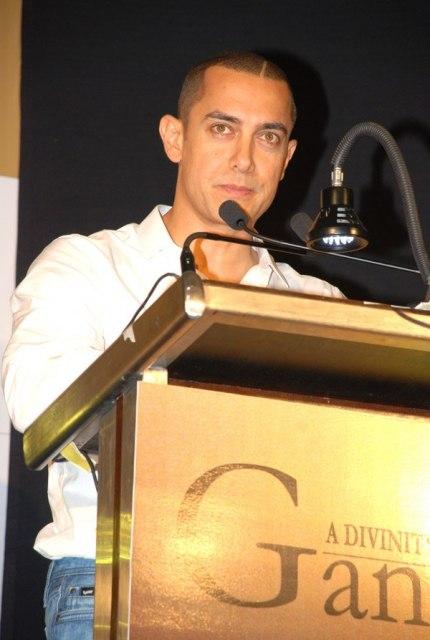 Амир Хан